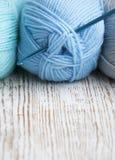 Crochet de crochet et fil à tricoter Images libres de droits