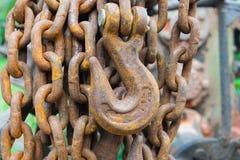 Crochet de fer et ligne à chaînes Photo libre de droits