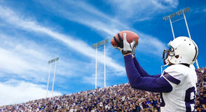 Crochet de touchdown du football Image stock