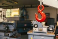 Crochet rouge en métal image libre de droits