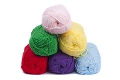 Crochets colorés de filé Photographie stock libre de droits
