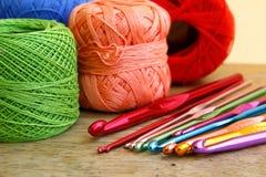 Crochets de crochet et places colorés de mamie Images libres de droits