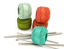 Crochets de filé et de crochet Photographie stock libre de droits