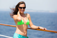 Crociera del bikini della donna Immagine Stock