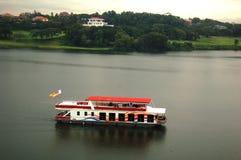 Crociera del lago Fotografie Stock