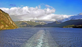 Crociera su un fiordo in Norvegia Immagine Stock