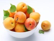 crockery абрикосов спелый стоковое фото rf