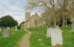 Crockham kulle, Kent, UK Octavia Hill jordf?stningst?lle kyrklig helig trinity royaltyfri bild