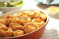 Crockpot с очень вкусным блю кордона цыпленка Стоковое фото RF