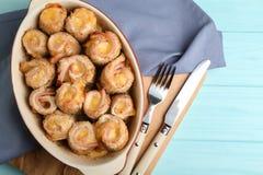 Crockpot с очень вкусным блю кордона цыпленка Стоковое Изображение
