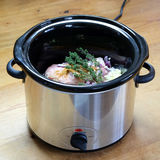 Crockpot of de langzame voorbereiding van de kooktoestelmaaltijd Royalty-vrije Stock Foto