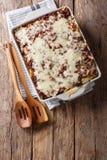 Crockpot Milion dolarów makaronu z sera i wołowiny zakończeniem wewnątrz Obraz Stock