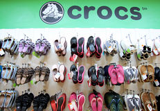 crocs shoppar Royaltyfri Fotografi