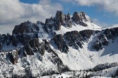Croda da Lago & Lastoni di Formin, Dolomites, i vinter, Veneto Arkivbild