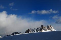 Croda da Lago & Lastoni di Formin, Dolomites, i vinter, Veneto Arkivfoton
