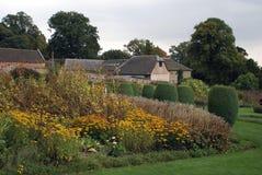 Croft kasztelu ogród w Anglia zdjęcia royalty free
