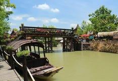 Crogioli di pagaia e mercati dell'acqua Fotografie Stock
