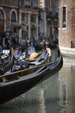 Crogioli veneziani di gondola Immagine Stock