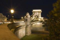 Croisement de fleuve de nuit Photo stock