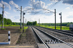 Croisement de rail dans la campagne Photos stock