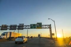 Croisement du Mississippi dans le coucher du soleil à Baton Rouge Photo stock