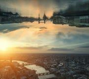 Croisez l'image futuriste traitée d'imagination de la science fiction de c à l'envers Photographie stock