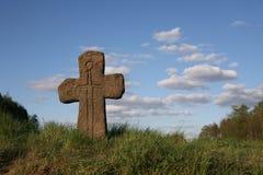 croisez le vieux symbole en pierre d'épée Photo libre de droits