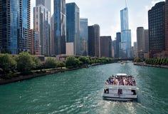 Croisière de bateau de la rivière Chicago, Etats-Unis Photographie stock libre de droits