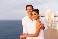 Croisière de coucher du soleil de couples Image stock