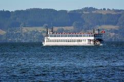 Croisière de reine de la Région des lacs - Rotorua Nouvelle-Zélande Images stock