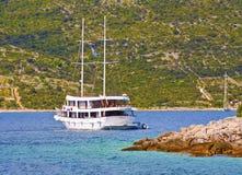Croisière le long de la côte dalmatienne Photos stock