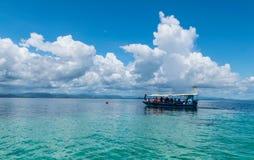 Croisières de mer dans le grand océan Photographie stock