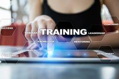Croissance de professionnel de formation et de développement Internet et concept d'éducation photo stock