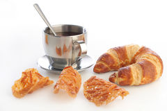 croissant τσάι φλυτζανιών μπισκότω&nu Στοκ εικόνες με δικαίωμα ελεύθερης χρήσης