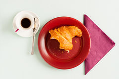 Croissant and coffee breakfas Stock Images