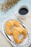 Croissant con café Fotografía de archivo
