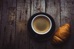 Croissant con caffè Fotografia Stock Libera da Diritti