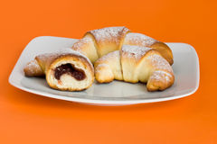 Croissant con el marmolade Imagen de archivo libre de regalías