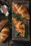 Croissant con il salmone immagine stock libera da diritti