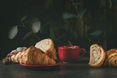 Croissant cotto fresco fotografia stock