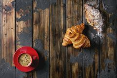 Croissant cozido fresco imagens de stock
