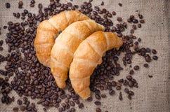 Croissant da manteiga perfumados do forno Imagem de Stock Royalty Free