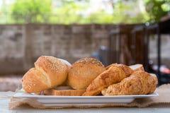 Croissant del pane della pagnotta e pane per mangiare Immagine Stock Libera da Diritti