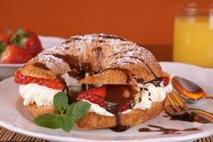 Croissant delicioso foto de stock
