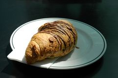 Croissant do chocolate foto de stock