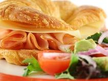 Croissant do presunto e do queijo Fotos de Stock Royalty Free