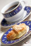 Croissant doux - pause-café. Photographie stock libre de droits