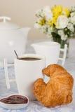 Croissant ed ostruzione fotografia stock libera da diritti