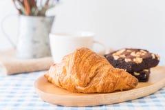 croissant et 'brownie' photographie stock