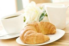 Croissant et café Photos libres de droits